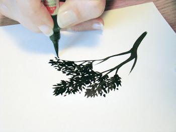 6) Et n'oubliez pas de laisser des espaces blancs entre les feuilles !